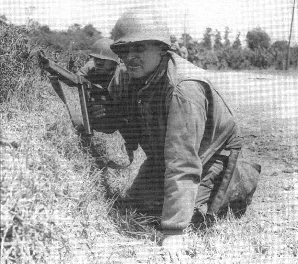 9th Infantry Division soldier near St Sauveur Le Vicomte
