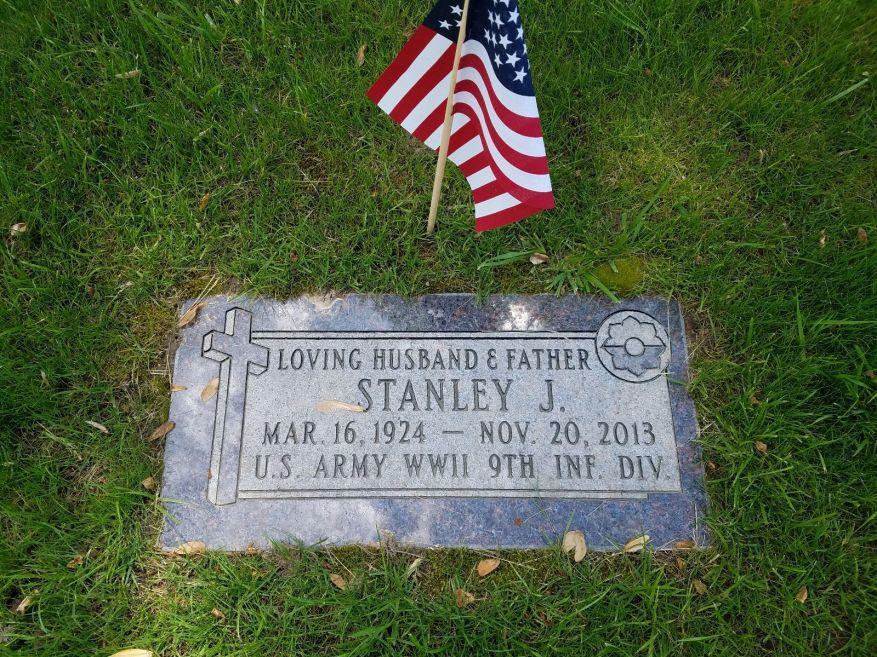 Stanley Turowski grave