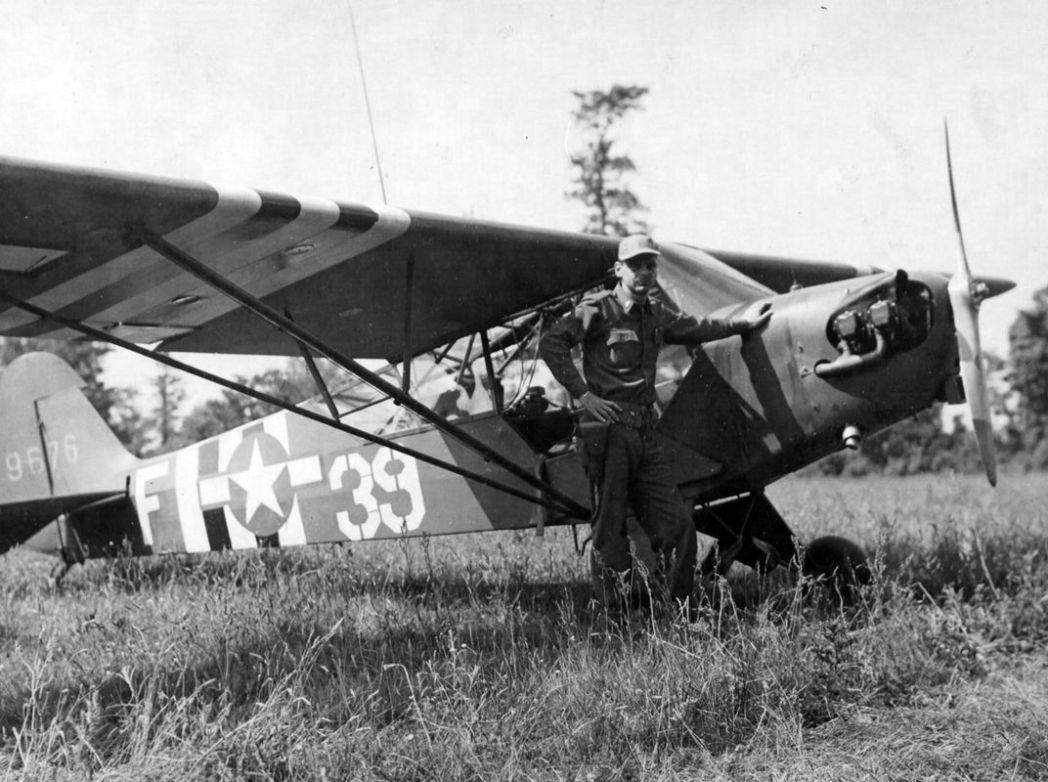 L-4 Grasshopper - NARA picture.