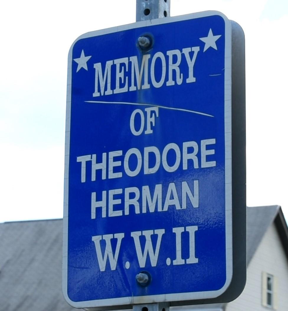 Theodore Herrmann Sign Ravena
